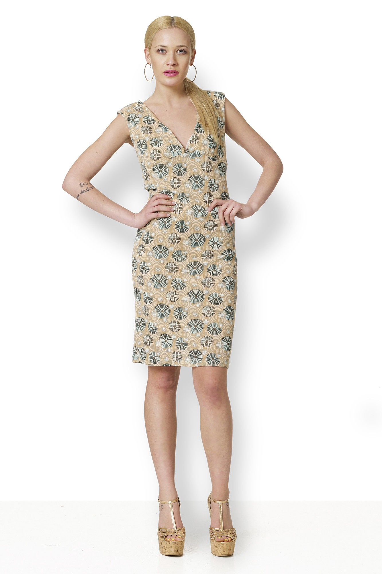 DRESS WITH CIRCLES