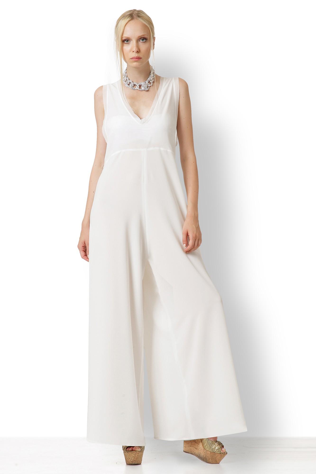 Φόρμα άσπρη με ξέφτι